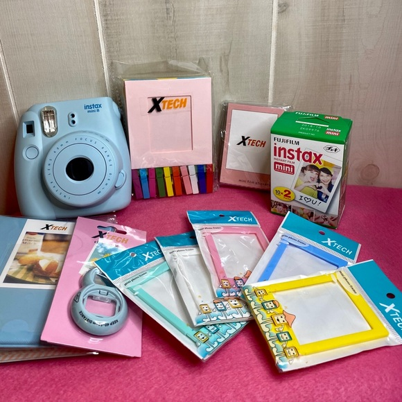 Xtech instax mini 8 polaroid camera & accessories